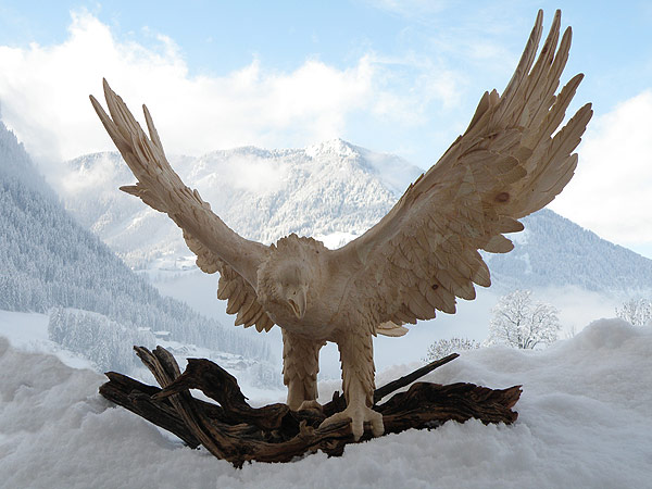 Incredible wood sculpture by Giuseppe Rumerio